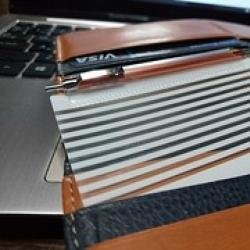 緊急時用に。極小ボールペン「ミニモ」 in 長財布